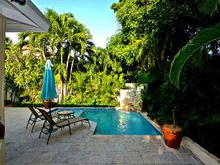 Hiigg's Beach Hacienda- Gorgeous 3/2 Home! Brand New Pool & Tons of Sun!, Key West