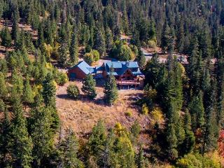 Free 4th Night! Eagle's Nest Overlooking Lake Cle Elum!  4BR | Hot Tub | WiFi