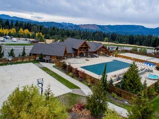 3-for-4*Awesome Rambler Near Suncadia-POOL ACCESS-Fire Pit-Hot Tub-Game Room