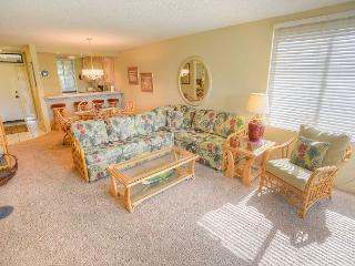 SUMMER SPECIALS! Corner Condo at Kamaole Sands with No Stairs Required!, Kihei