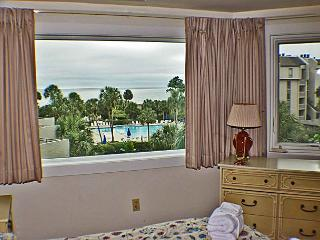 Shorewood 332 - Oceanview 3rd Floor Condo, Hilton Head