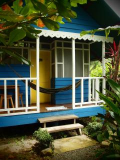 casitas for 3 persons full equiped witch kitchen , shower with hot water, hamock...