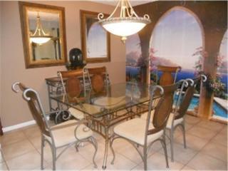 2 Bd 2 Ba fully furnished condo on Lake Seminole
