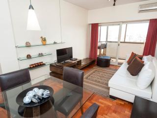 Excellent 1 Bedroom Apart in R