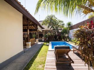 Sandalwood Deluxe Villa ( 4BR ) Seminyak, Kerobokan