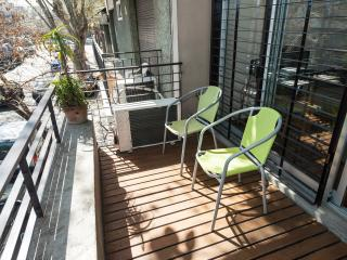(I)1 bedroom sunny new apartment.Balcony and pati0