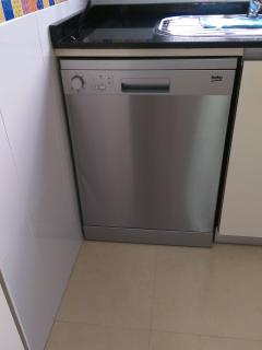 Dishwasher for 12 places