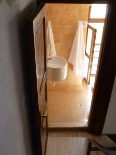 2nd floor bathroom