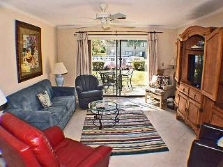 Surf Court 71 - Pet Friendly 2 bedroom Townhouse, Hilton Head