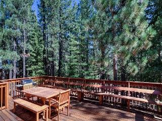 Tahoe Donner Cabin Retreat with Luxurious Amenity Access Nearby