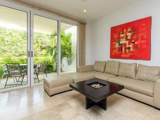 Five Star Condo Best Location Reasonably Price on MAMITAS BEACH & 5TH AVENUE, Playa del Carmen