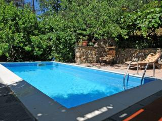 VILLA IL PETTIROSSO 5 PAX private Pool, WiFi, BBQ near to beaches & Cinque Terre