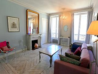 Apartment Lumière du Nord holiday rental apartment 1st arrondissement  paris fra