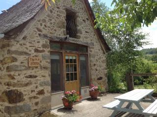 La vieille grange à Pertus 17e siècle Gite & piscine., La Bastide-l'Eveque