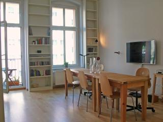 Design-Flat in Mitte, quiet, bright, Berlim