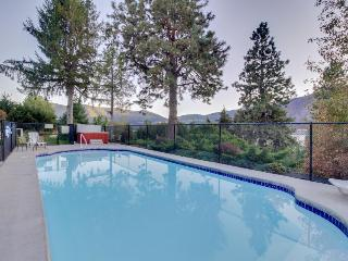 Lakefront home w/ pool, hot tub, & game room!, Manson