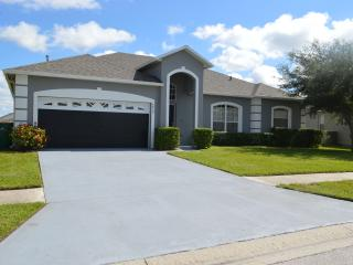 Disney Vacation Villa with Lake View, Kissimmee