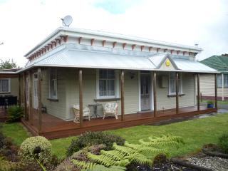 GLENVIEW LODGE, Woodville