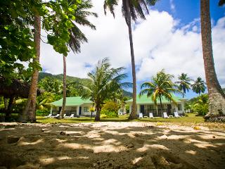 Holiday Home directly on the beach, Anse Forbans