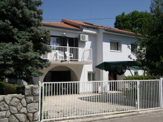 Apartment Behur for 4 people, Malinska