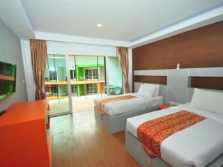 Great 2BR Apartment on Tonsai Bay!, Ko Phi Phi Don