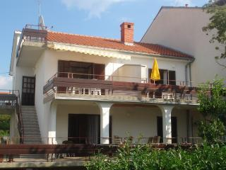 Beautiful apartment Uzelac, Malinska