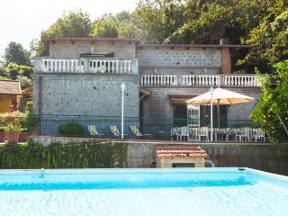 Villa la Panoramica, Priora
