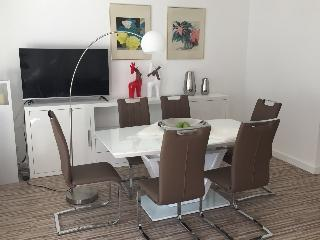 Stylish Luxury 2 Bedroom , Near Messe , WIFI, Frankfurt