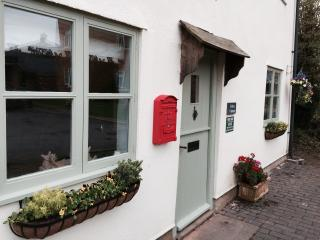 Abbey Cottage Tewkesbury Town - Luxury touches!