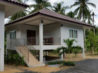 Brand New Secluded 2 Bedroom House A, Surat Thani