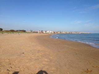 Kaukana House 30 mt dalla spiaggia, Marina di Ragusa