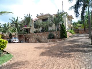 Lubowa spacious furnished apartments, Kampala