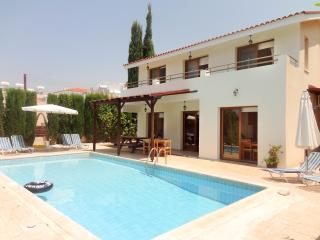 3br villa, private pool, wifi, breathtaking views, Kissonerga