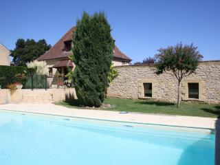 MERCULOT: SPACIOUS STONE HOUSE WITH FENCED POOL SET IN DORDOGNE GOLDEN TRIANGLE