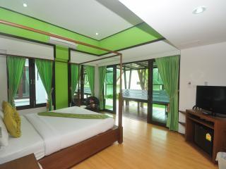 Super 2BR Bungalow in the Tropics!, Ko Phi Phi Don