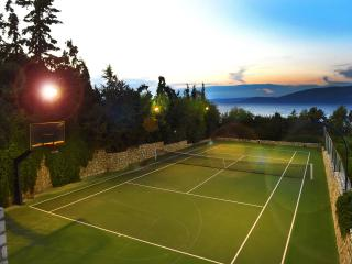 Take advantage of the court lighting for night games of tennis and basketball!