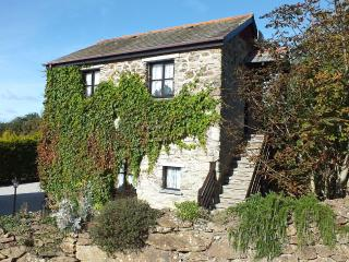 Hollies - a converted barn in glorious countryside, Perranporth