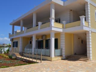 Ria's Apartments Ksamil - Apartment 1