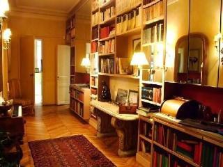 Apartment in 16th Arrondissement, Paris