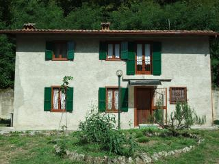 CASTELPIANO COTTAGE - LIVE THE NATURE OF GARDA