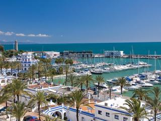 Frontline apartment in Estepona Port.  Fantastic!