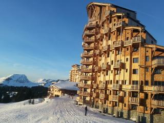Luxury Superior ski in & ski out duplex Apartment