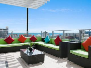 Darwin Executive Penthouse & FREE CAR 3 Bed Sleep8