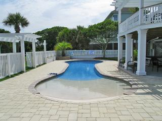 Newly Renovated!! Oceanfront, Renovated, Pool