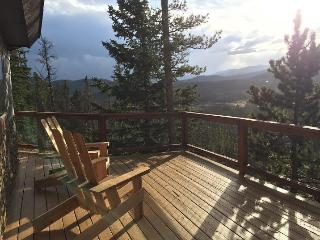 MODERN MTN GETAWAY - AMAZING VIEWS!, Idaho Springs