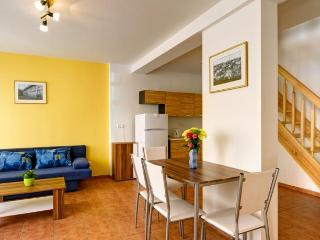 Spacious Duplex Apartment with Breakfast and Wi-Fi