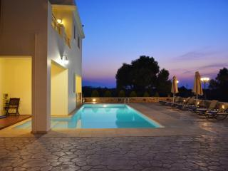 A Unique Villa for unique guests!, Stavromenos