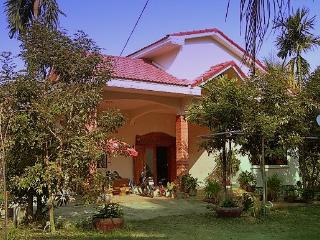 Khmer Villa, 3 bedrooms with pool, Siem Reap
