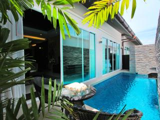The Ville Pool Villa - 3Bedrooms (B06), Pattaya
