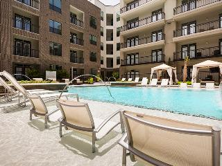 Pearl Greenway |Upper Kirby Apartments on Richmond, Houston